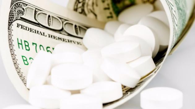 President obama medicare pills in a 100 dollar bill | www.imjussayin.com